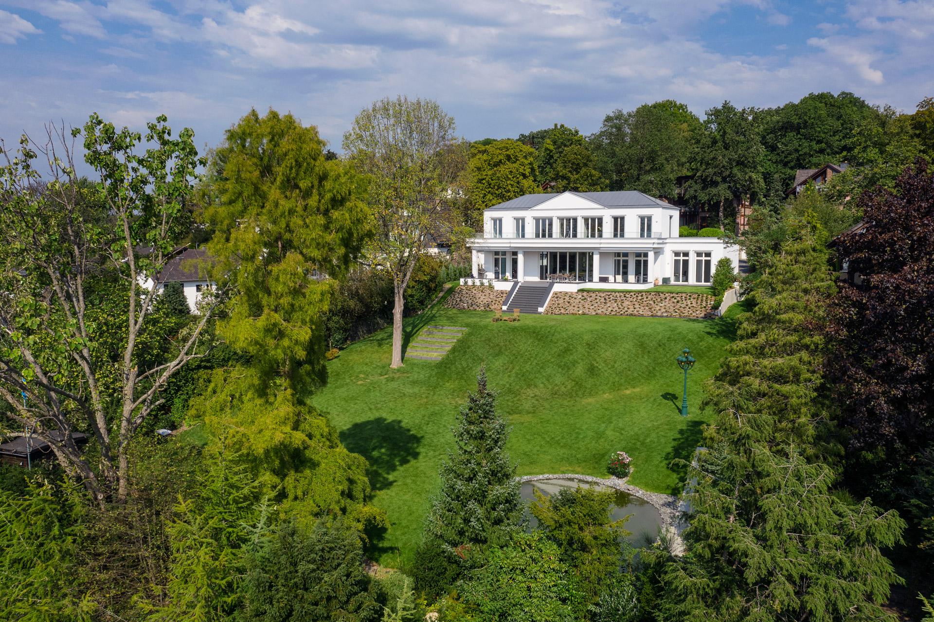 Villa im Bergischen Land - Gartenansicht